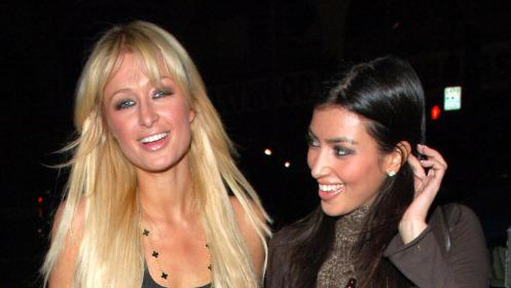 Hadir di Pesta Natal Klan Kardashian, Kim dan Paris Hilton Sudah Baikan?