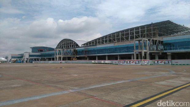 Bandara Supadio.