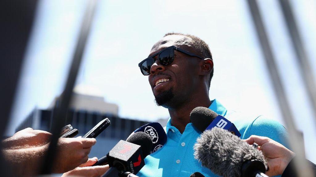 September, Usain Bolt Debut sebagai Pesepakbola