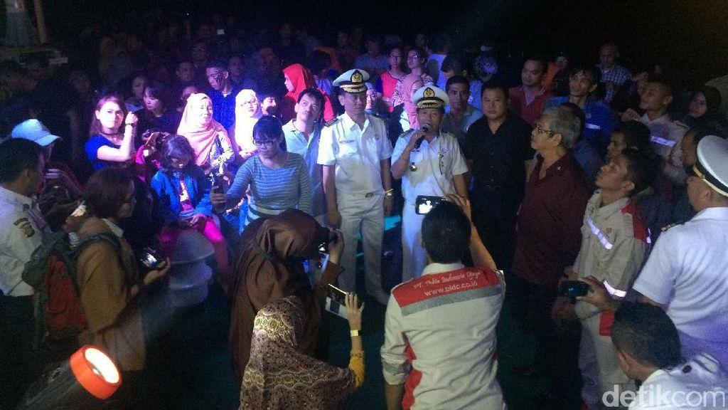 Video Serunya Perayaan Tahun Baru di Tengah Laut Kepulauan Seribu