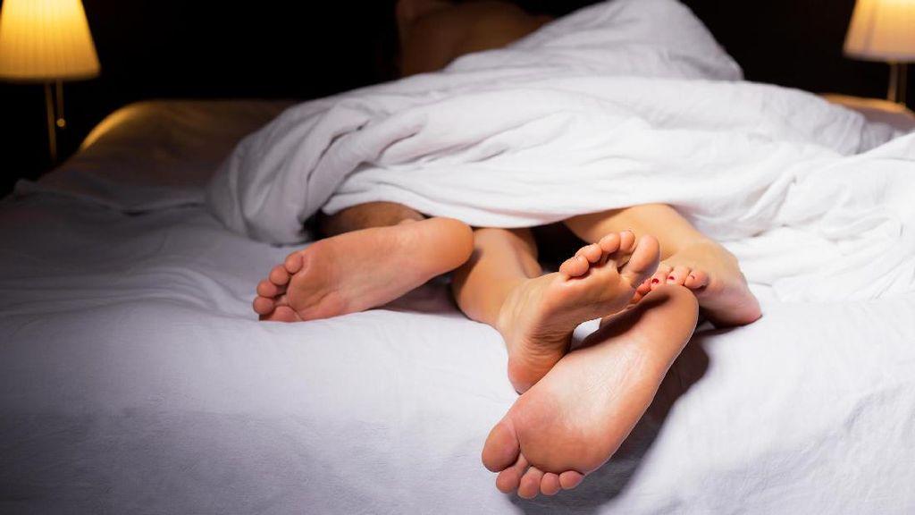 6 Posisi Bercinta Ini Bisa Jadi Dibenci Istri Anda