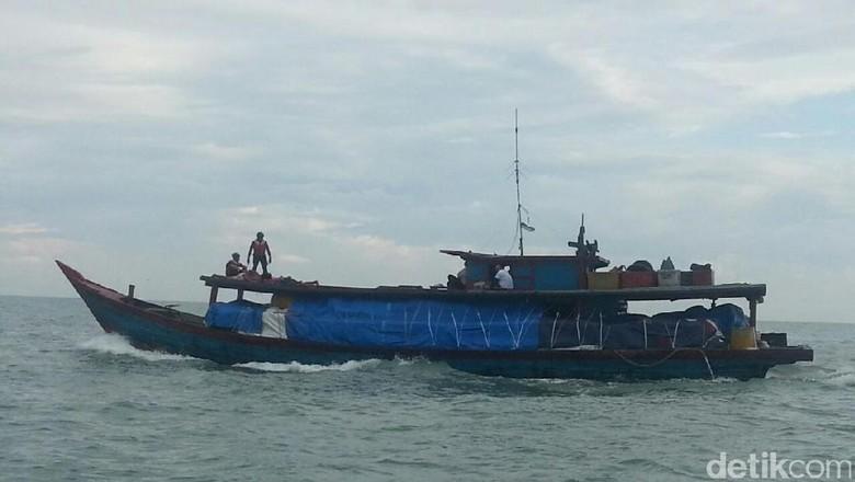 Bea-Cukai Tangkap Kapal Penyelundup Pakaian Bekas Asal Malaysia