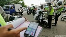 Polisi Razia dengan Tilang Elektronik