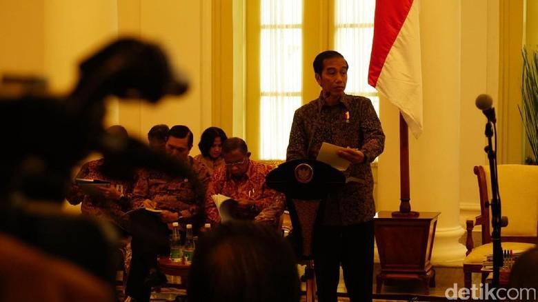 Tekad Jokowi Kurangi Kesenjangan dan Kenaikan Harga di Awal 2017