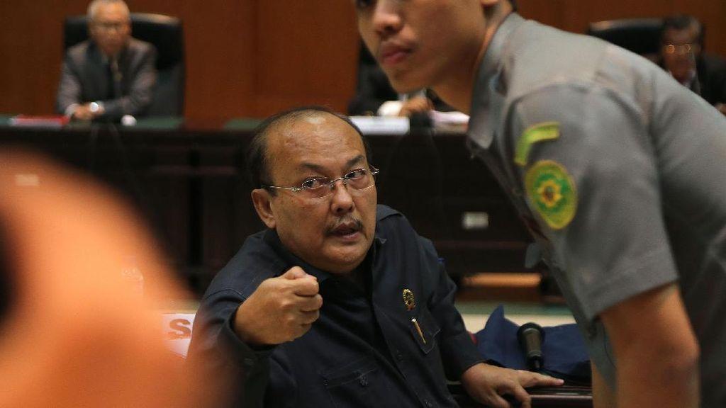 Hakim Napitupulu yang Diduga Disuap Rp 1 Miliar Hadiri Sidang Etik