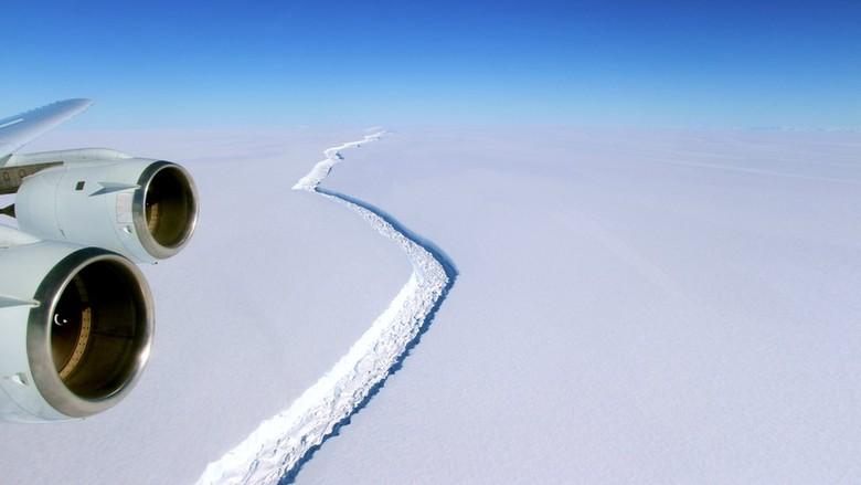 Gunung Es Besar Antarktika akan Melepaskan Diri