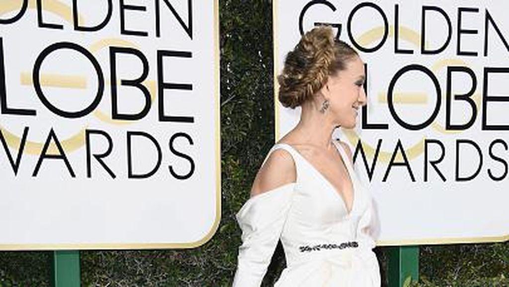 Inspirasi Busana Pengantin dari Tren Gaun Putih Seleb di Golden Globes
