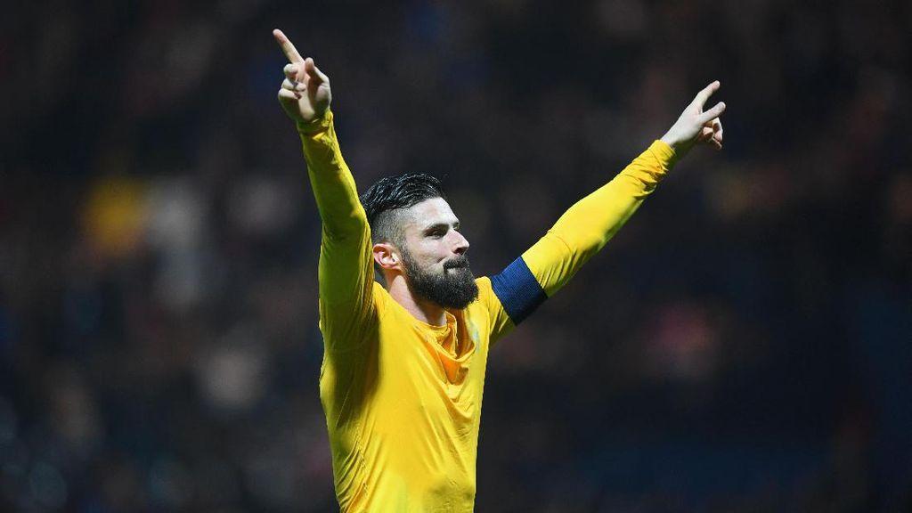 Lyon Kirim Sinyal Ketertarikan pada Giroud