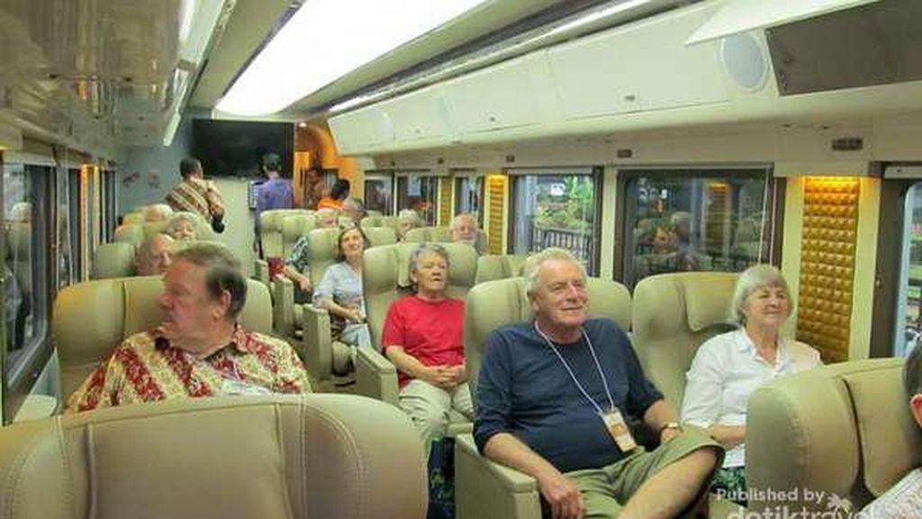 Kereta Wisata ke Yogyakarta Memang Mewah dan Nyaman