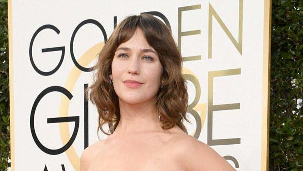 Aktris Ini Percaya Diri Pamer Bulu Ketiak di Golden Globes 2017