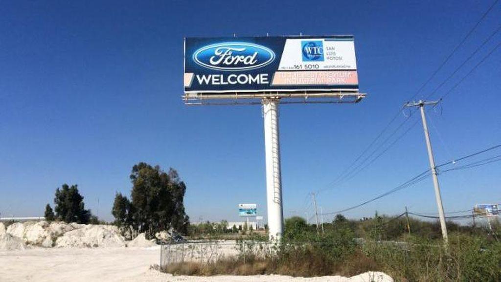 Ford Kritik Kebijakan Imigrasi Trump
