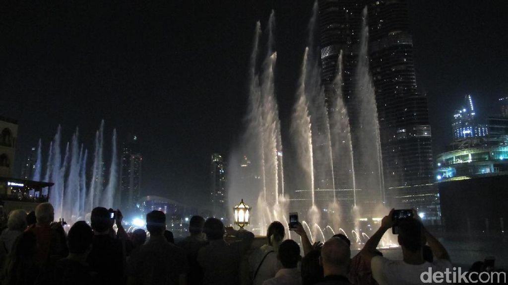 Dubai Punya Pertunjukan Air Mancur Tercantik di Dunia