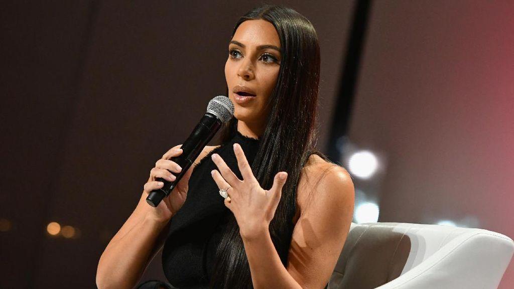Masuk Rumah Kim Kardashian, Tamu Wajib Digeledah Badan Oleh Security