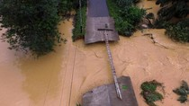Banjir Bandang Terjang Thailand