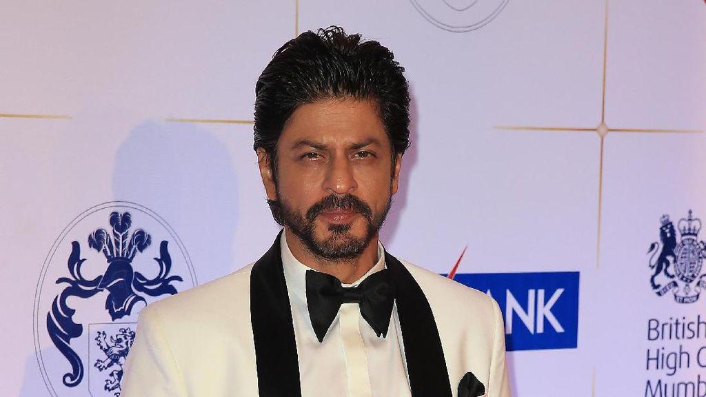 Shah Rukh Khan Promosi di Kereta Api, Satu Orang Meninggal Dunia