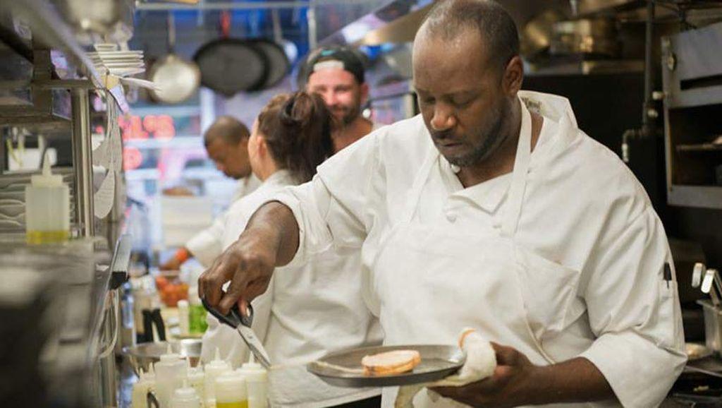 Restoran Prancis Ini Hanya Pekerjakan Mantan Narapidana Saja