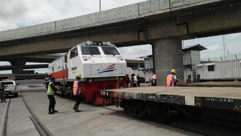 Sekarang Ekspor Barang dari Bandung Bisa Pakai Kereta