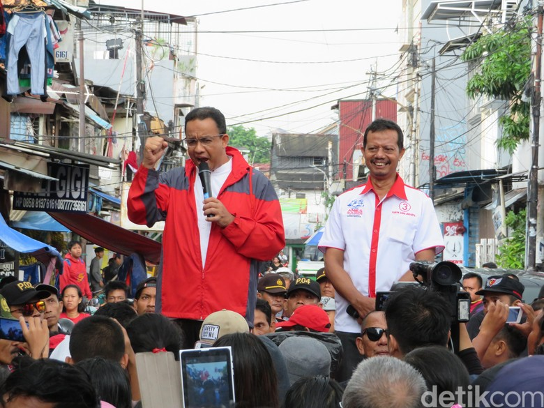 Bulan Menuju Anies Manfaatkan Serap - Jakarta Gubernur DKI Jakarta terpilih Anies Rasyid Baswedan akan memanfaatkan waktu menuju masa pelantikannya untuk menyerap aspirasi Warga