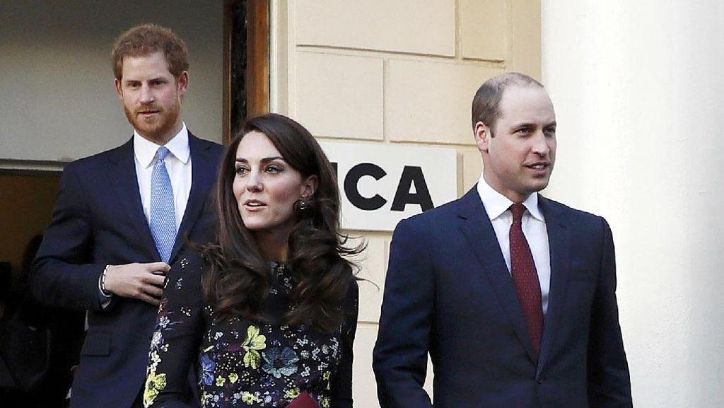 Alasan Kate Middleton & Pangeran William Tak Pernah Gandengan Tangan