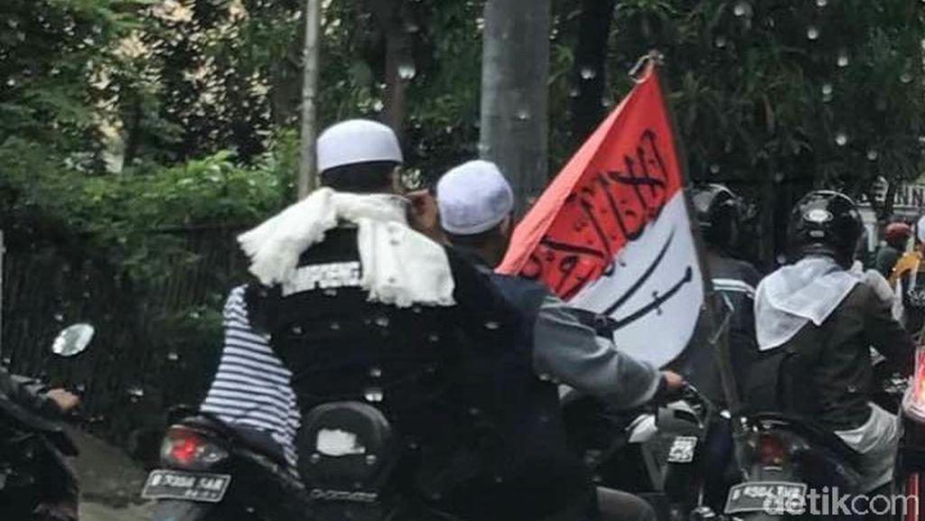 Fahmi Buta Aturan tentang Bendera, Tim Pengacara Tolak Penahanan