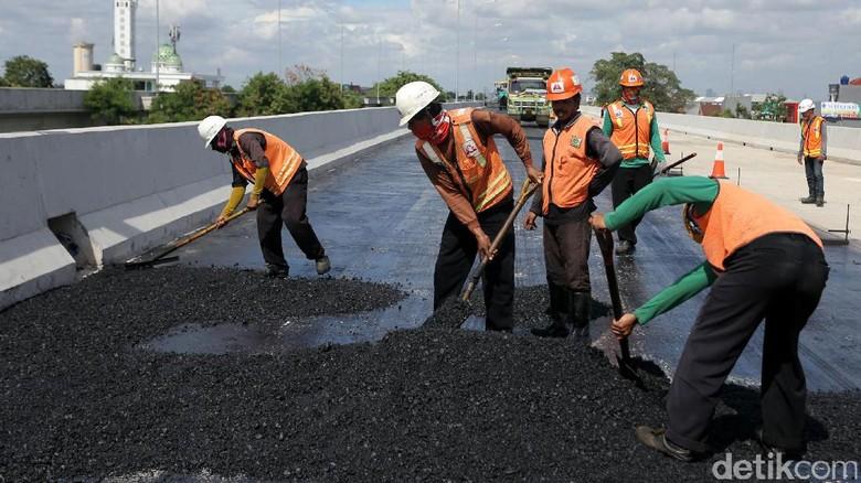 Gencar Bangun Tol Ribuan Kilometer, Apa Alasan Jokowi?