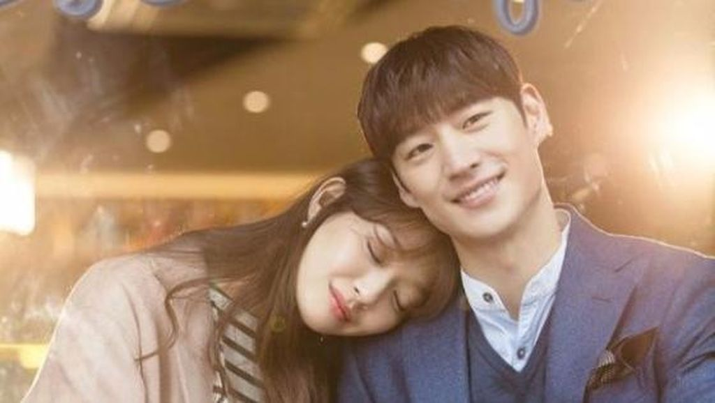 Lee Je Hoon Kaget Lihat Mayat Dirinya di Drama Tomorrow With You