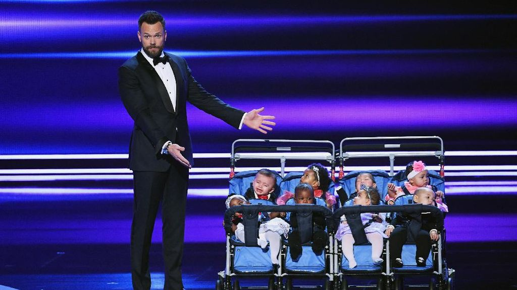 Momen-momen Terbaik di People Choice Awards 2017