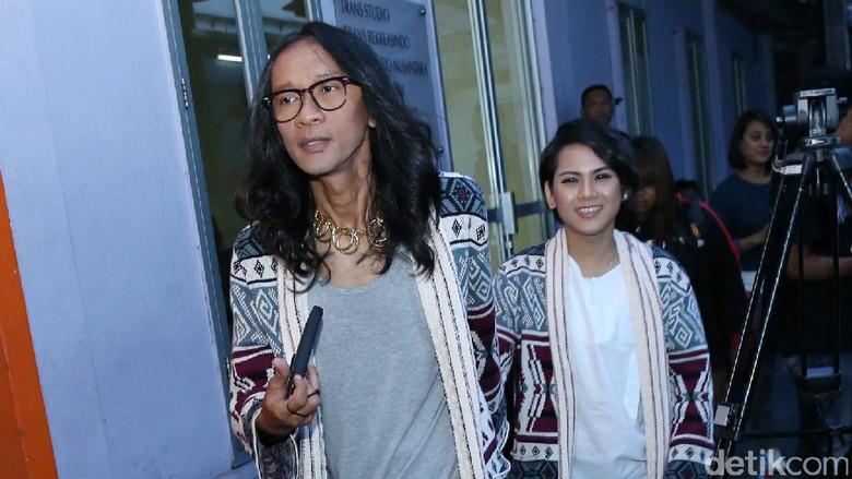 Aming dan Evelyn Masih Suka Stalking?