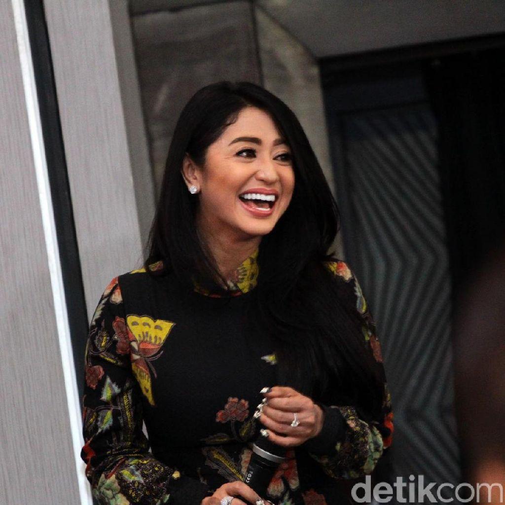 Posting Foto Ini di Instagram, Dewi Persik Panen Komentar Negatif