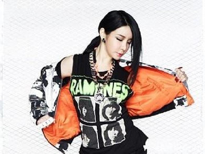 Yang Hyun Suk Sebut Park Bom Penyebab Bubarnya 2NE1?
