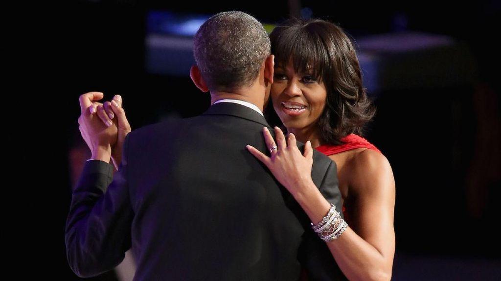 Ritual Ini yang Bikin Pasangan Barack dan Michelle Obama Selalu Intim