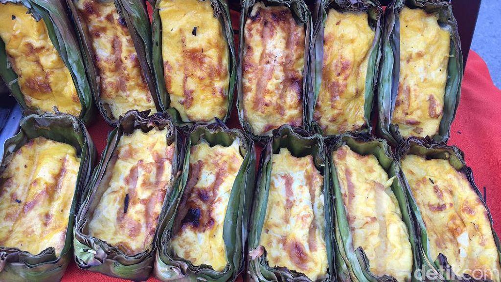 Di Festival Payung Bo Sang, Bisa Cicip Telur Bakar dan Pad Thai yang Sedap