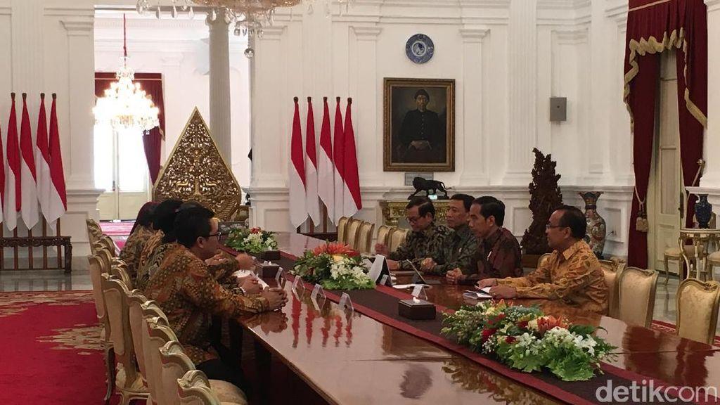 Jokowi Rapat Konsultasi Kenegaraan dengan Pimpinan MPR di Istana
