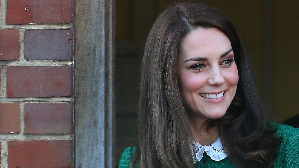 Dilarang Main Monopoli & 4 Aturan Aneh Lain Jika Jadi Putri Kerajaan