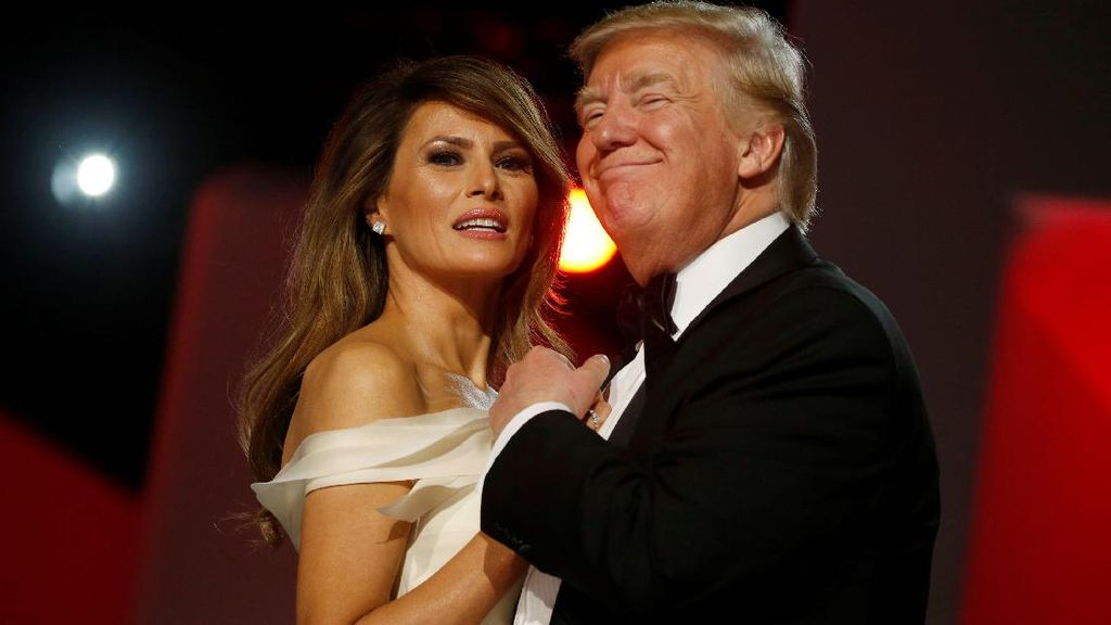 Melania Trump Dikabarkan Tidak Jadi Pindah ke Gedung Putih