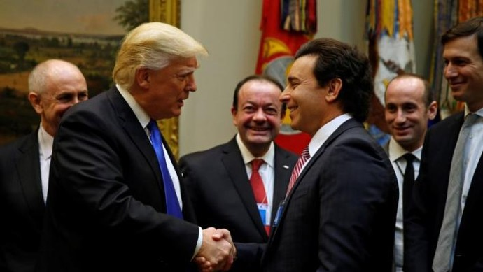 Donald Trump Bertemu Bos Otomotif Amerika
