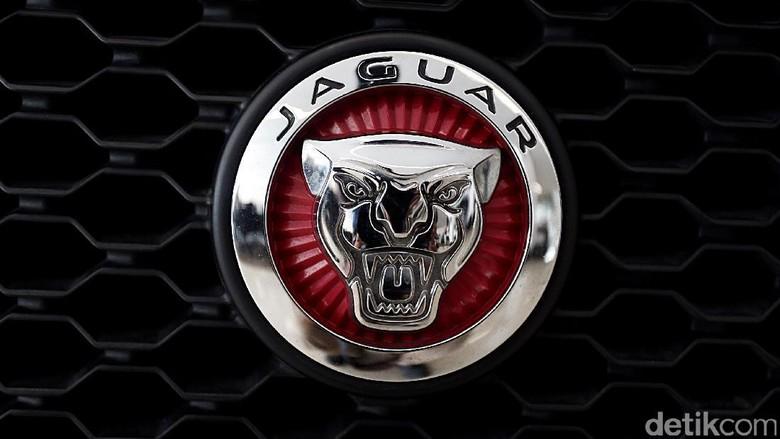 Kepergok Polisi 4 Pemuda Tanggung Gagal Curi Jaguar