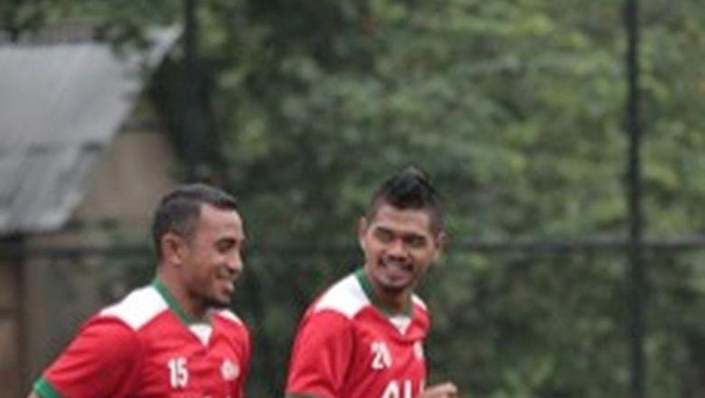 Hari Ini,  Laga Pemain Legenda & Bakat Muda Sepak Bola Indonesia di Stadion Pakansari