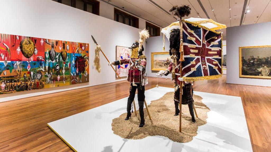 Pertemuan Warisan Kolonial Inggris di Galeri Nasional Singapura