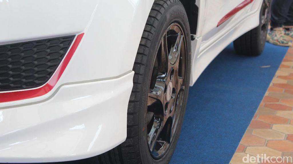 Aneka Mobil Modifikasi Hiasi AutoPro 2017