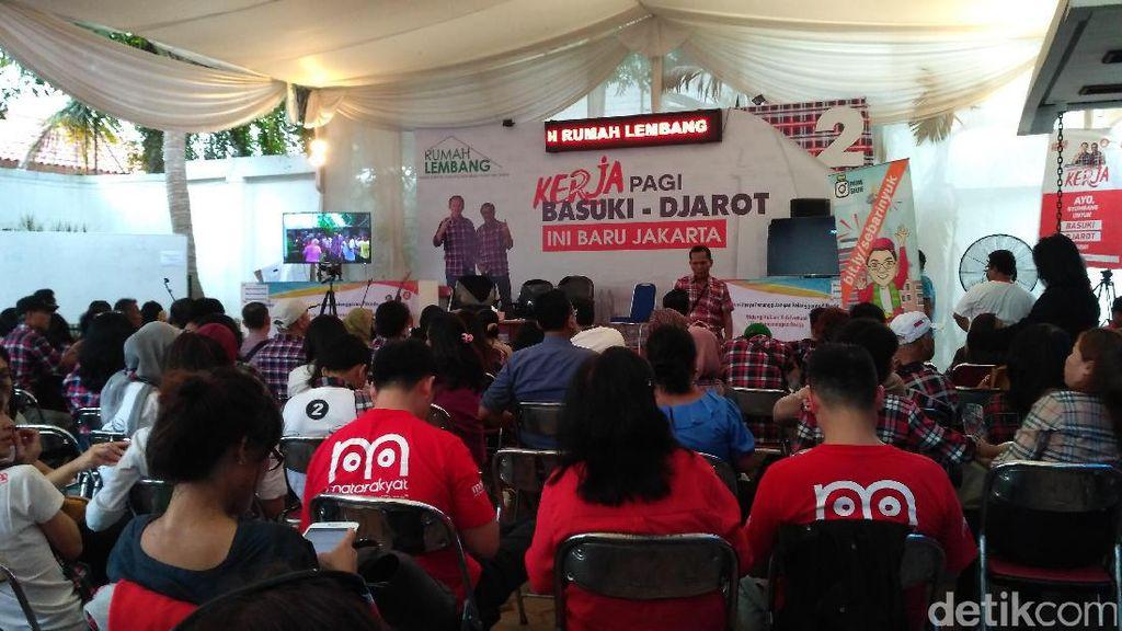Relawan Ahok-Djarot Adakan Nobar Debat di Rumah Lembang