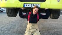 Jadi Pemadam Kebakaran, Wanita Cantik Ini Bahkan Bisa Angkat Truk