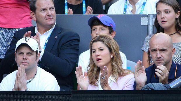 Kapan Federer Gantung Raket? Kuncinya di Istri