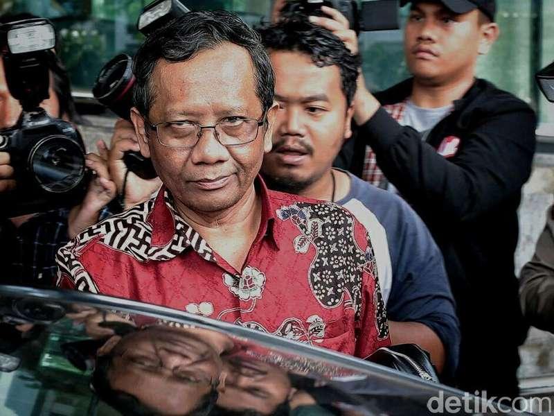 Pengacara Habib Rizieq Ingin Ajukan Jadi Ahli, Mahfud MD Menolak