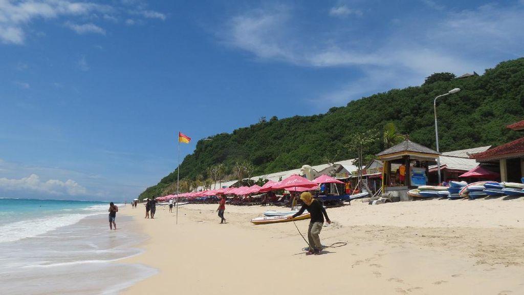 Pantai Pandawa, Bikini dan Laut Biru