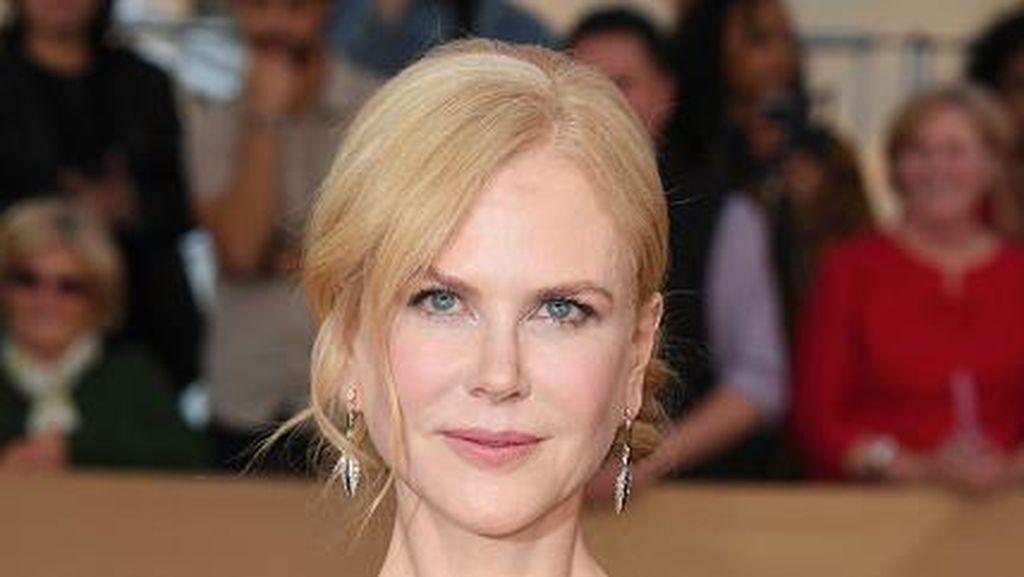 Nicole Kidman Ditemani Dua Nuri di Karpet Merah SAG Awards 2017