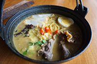 NoMiNoMi Delight: Yuk, Cicipi Beef Curry Ramen dan Es Krim Matcha Aneka Topping