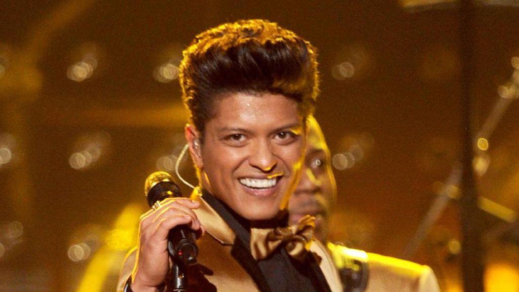 Kekasih Bruno Mars Dikabarkan Hamil