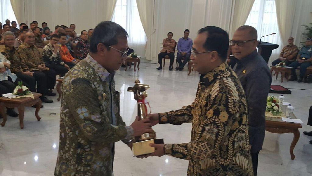 Berhasil Tata Lalu Lintas dan Angkutan, Makassar Raih Penghargaan