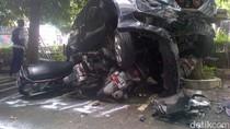 Lapak Bakso Diseruduk Mobil di Semarang, 1 Orang Tewas